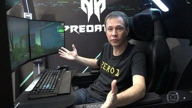 Tiago Leifert experimenta a cadeira gamer 'Predator Thronos' - O equipamento custa cerca de 200 mil reais