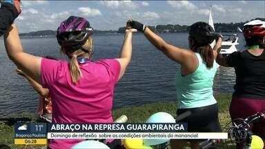 Evento quer chamar a atenção da preservação do meio ambiente - Um abraço simbólico na represa Guarapiranga reuniu mil pessoas e quer denunciar as condições do manancial responsável por abastecer cinco milhões de pessoas