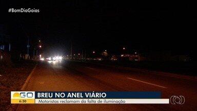 Motoristas reclamam de falta de iluminação no Anel Viário - Segundo eles, vários acidentes já ocorreram lá.