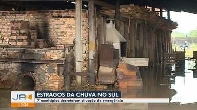 Chuva causa estragos no Sul de SC; homem morre levado pela correnteza - Chuva causa estragos no Sul de SC; homem morre levado pela correnteza