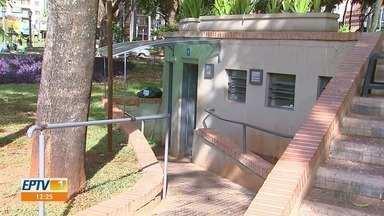 Banheiros públicos não funcionam no centro de Ribeirão Preto, SP - Moradores reclamam da situação.