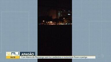 Aterro do Flamengo fica às escuras - A RioLuz disse que vai mandar uma equipe ao local. O problema foi registrado na noite desta quinta-feira (30).