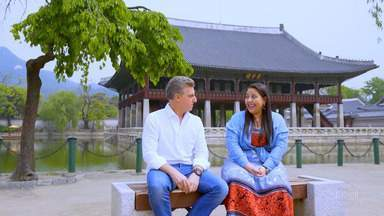 Luciano vai à Coreia do Sul com Lilian para contar uma história superdivertida - O 'Caldeirão' atravessou um oceano para contar uma história superdivertida pra você!