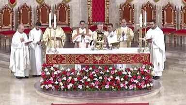 Bispo dom Pedro Luiz Stringhini celebra missa de abertura da novena do Divino - As novenas seguem até o dia 8 de junho.