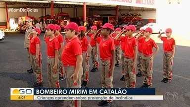 Programa Bombeiro Mirim ensina noções de prevenção de incêndio a crianças em Catalão - Veja como é o dia a dia desses pequenos no quartel.