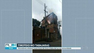 Moradores relatam tiroteio na Ladeira dos Tabajaras, em Copacabana - PM diz que policiais foram atacados durante patrulhamento. Não há registro de feridos, mas falta luz na comunidade