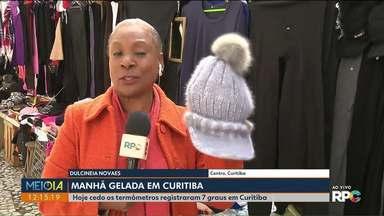 Mudança na temperatura leva muitos casacos pras ruas - A repórter Dulcinéia Novaes conversou com muita gente que precisou encarar o frio pra sair de casa