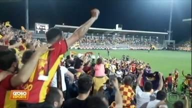 Turcos do Goztepe escapam do rebaixamento com gol de pênalti e fazem muita festa - Turcos do Goztepe escapam do rebaixamento com gol de pênalti e fazem muita festa