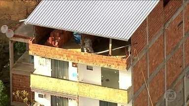 Depois da tragédia de Muzema, milicianos ainda vendem imóveis na zona oeste do Rio - Polícia Civil do Rio abriu dois inquéritos para investigar.