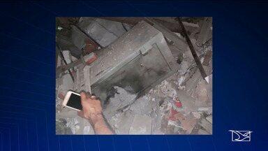 Bandidos explodem agências bancárias em São Bernardo no Maranhão - Os suspeitos ainda trocaram tiros com a polícia e metralharam a viatura que estava estacionada na porta do pelotão da PM.