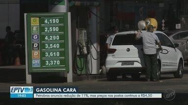 Petrobrás anuncia quedas no preço da gasolina, mas consumidor não percebe a diferença - Nos últimos 11 dias duas quedas foram registradas. O preço do combustível nos postos de Ribeirão Preto, SP continua a R$ 4,50.