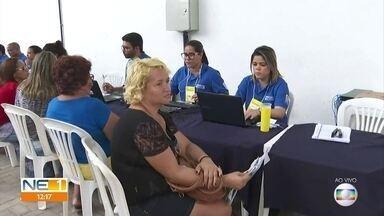 Mutirão ajuda a pagar contas atrasadas e negociar dívidas - A ação do procon Recife ocorre no Compaz, na Zona Oeste