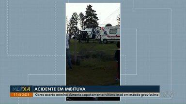 Carro capota e atinge criança de 9 anos, ontem (9) em Imbituva - Acidente foi na BR-153, depois de capotar, o carro bateu contra o menino, segundo a Polícia Rodoviária Federal o motorista do carro estava embriagado.