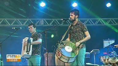 Batista Lima e Dorgival Dantas animam o público no São João 2019 de Caruaru - Cerca de 23 mil pessoas foram dançar no domingo (9).
