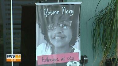 Amigos e parentes prestam homenagem à jovem morta e esquartejada em Araraquara, SP - Corpo de Yasmin da Silva Nery, de 16 anos, está sendo velado nesta quarta-feira (12)