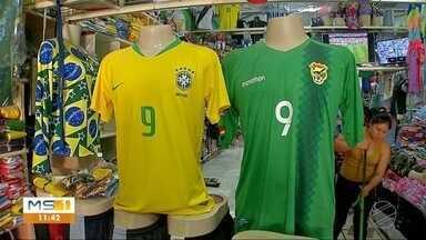 Brasil e Bolívia fazem jogo de estreia na Copa América; fronteira fica dividida - Partida deixa a torcida com o coração dividido na fronteira entre os dois países.