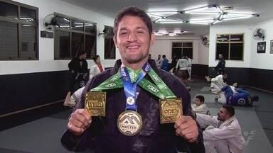 Atleta de Jiu-Jitsu representou a Baixada Santista em torneios na Europa - Leandro Silvestre conquistou bons resultados na Espanha e na França.