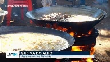 Festa da 'Queima do Alho' reúne mais de 5 mil pessoas em Rio Verde - Cidade ficou movimentada.