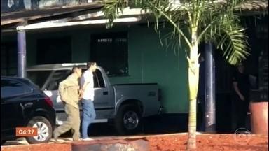 PMs são presos acusados de fazer parte de quadrilha no RJ - Os policiais trabalhavam na UPP do Jacarezinho.