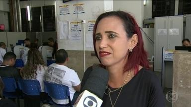 Cresce o número de pessoas desempregadas há mais de dois anos - Um estudo do IPEA divulgado hoje revela que 22,7% dos domicílios brasileiros não tiveram nehum tipo de renda no primeiro trimestre deste ano.
