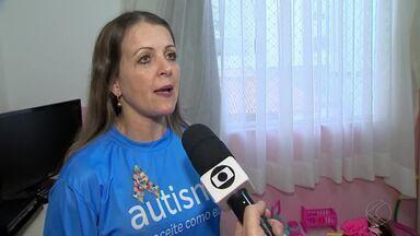No dia do Orgulho Autista, palestra em Juiz de Fora conscientiza sobre o transtorno - Famílias querem combater a visão negativa que existe sobre as pessoas que foram diagnosticadas com autismo e que o transtorno não é doença.