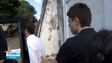 Começa a apresentação voluntária de condenados no caso das verbas de subvenção da Alese - O primeiro a cumprir a decisão foi o ex-deputado Paulinho da Varzinhas.