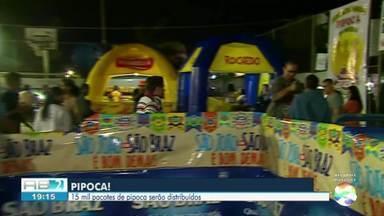 Festa da Pipoca Gigante é realizada em Caruaru nesta terça-feira (19) - Festa aconteceu no bairro das Rendeiras.