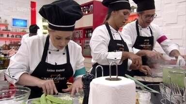 Veja como foi a prova de frango no 'Super Chef Celebridades 2019' - Veja como a galera se virou para preparar um prato de frango com molho e acompanhamento!