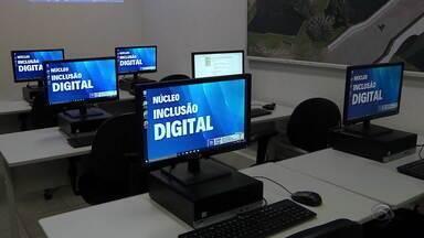 Procon oferece sala para ensinar consumidores a utilizar serviços do órgão na Internet - Processos eletrônicos facilitam atendimento aos cidadãos.