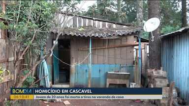 Jovem é morta a tiros em Cascavel - Ela estava na varanda de casa.