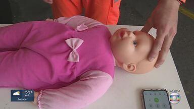 Casos de bebês engasgados crescem em MG - Bombeiros atenderam no estado, de janeiro a maio deste ano, 220 ocorrências de bebês engasgados. Saiba o que fazer em situações como esta.