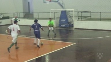 Embaixadores do Futsal triunfam em Serra Negra - O time de futsal de veterano de Santos venceu mais um torneio.