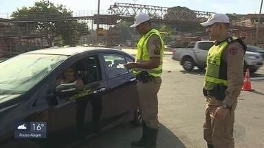Motoristas relatam confusão com lei sobre uso de cadeirinhas em veículos - Motoristas relatam confusão com lei sobre uso de cadeirinhas em veículos