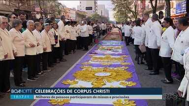 Milhares de pessoas participaram das celebrações de Corpus Christi - Em Curitiba, a procissão foi até o Centro Cívico.