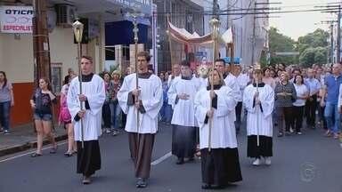 Católicos celebram dia de Corpus Christi na região noroeste paulista - Católicos celebram dia de Corpus Christi na região noroeste paulista.