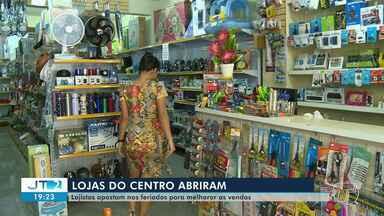 Com objetivo de movimentar economia, lojistas abrem comércios no feriado - Centro comercial de Santarém estava funcionando no feriado de Corpus Christi.