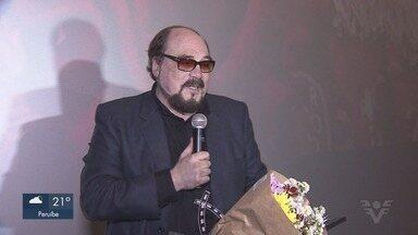 Jornalista Rubens Ewald Filho é sepultado em São Paulo - O crítico de cinema morreu nesta quarta-feira (19), aos 74 anos.