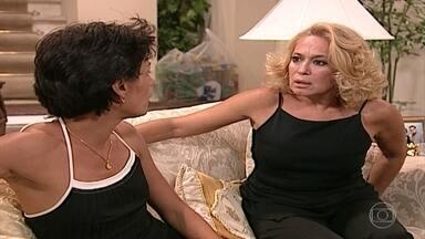 Branca vê a tatuagem de Milena - Confira