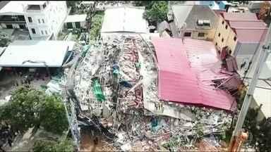 Sete pessoas morrem em desabamento de prédio, no Camboja - Trinta trabalhadores do prédio, que estava em construção, estão desaparecidos. Vinte e duas pessoas ficaram feridas.