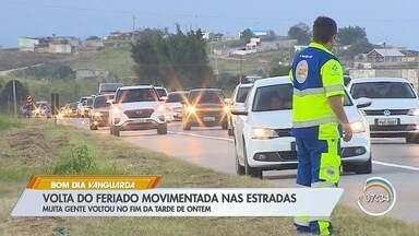 Estradas da região têm movimento intenso na volta do feriado - Confira no telão.
