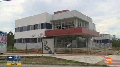 Giro de notícias: Centro de Saúde do Campeche, em Florianópolis, será fechado para obras - Giro de notícias: Centro de Saúde do Campeche, em Florianópolis, será fechado para obras