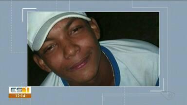 Morre adolescente que se afogou na Praia de Povoação, em Linhares, ES - Familiares fizeram homenagem a Luiz Henrique dos Santos.