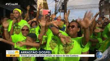 Arrastão gospel atrai multidão no bairro de São Caetano - Esta é a quarta edição do evento, que a cada ano tem mais participantes.