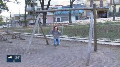 SP1 começa blitz nas praças das capital - Áreas que seriam opções para as crianças durante as férias acumulam problemas.