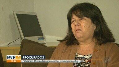 Famílias de vítimas cobram prisões de foragidos da Justiça em Ribeirão Preto - Polícia Civil diz que responsabilidade no cumprimento dos mandados é de todos os órgãos do sistema de Justiça Criminal.