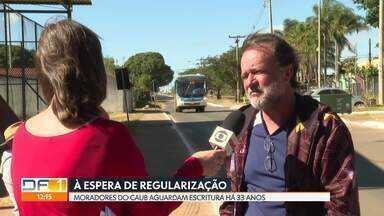 Moradores do Caub aguardam regularização e cobram infraestrutura - Entre reivindicações está pedido por respeito ao horário do transporte público.