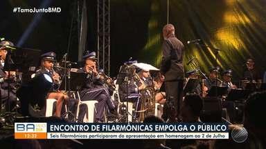Encontro de filarmônicas marca as comemorações do Dois de julho, em Salvador - O Largo do Campo Grande recebeu centenas de pessoas na noite de terça-feira (2).