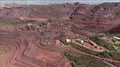 Novo estudo leva moradores a deixar região próxima de uma barreira de rejeitos em MG - Cerca de 70 pessoas vão ter que sair de casa por causa do risco de rompimento de uma barragem da Arcelor Mittal, em Itatiaiuçu, na área Metropolitana de Belo Horizonte.