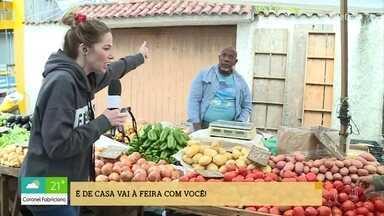Confira os preços dos alimentos em feira na Zona Oeste do Rio de Janeiro - Valéria Almeida também mostra o movimento em feira na Zona Sul de São Paulo e Fernanda Vieira vai às compras numa feira em Uberlândia, Minas Gerais