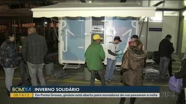Ações solidárias ajudam moradores de rua nos dias de frio - Veja como ajudar.